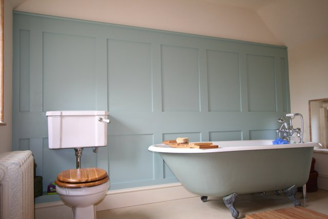 Bathroom paneling 28 images panelled bathroom ideas go for Wood panelling bathroom ideas